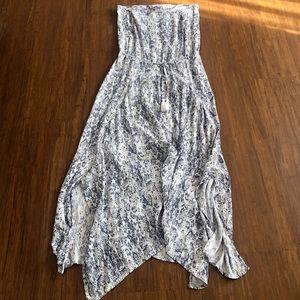 Dresses & Skirts - Maxi summer dress snake skin